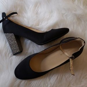 NWOB! Marc Fisher black heels 11